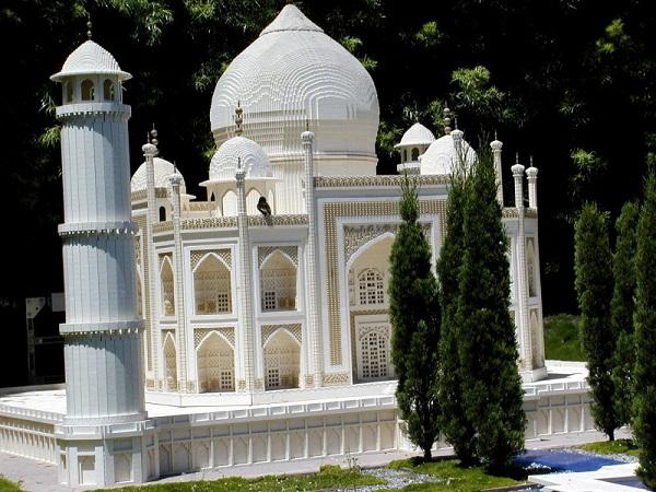 Копия Тадж-Махал из Лего